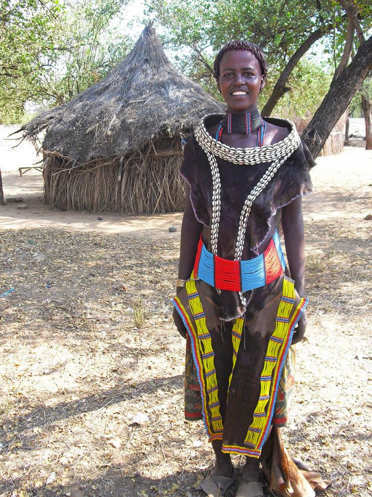 Tsemay-donna-Omo-Valley-Etiopia-Africa