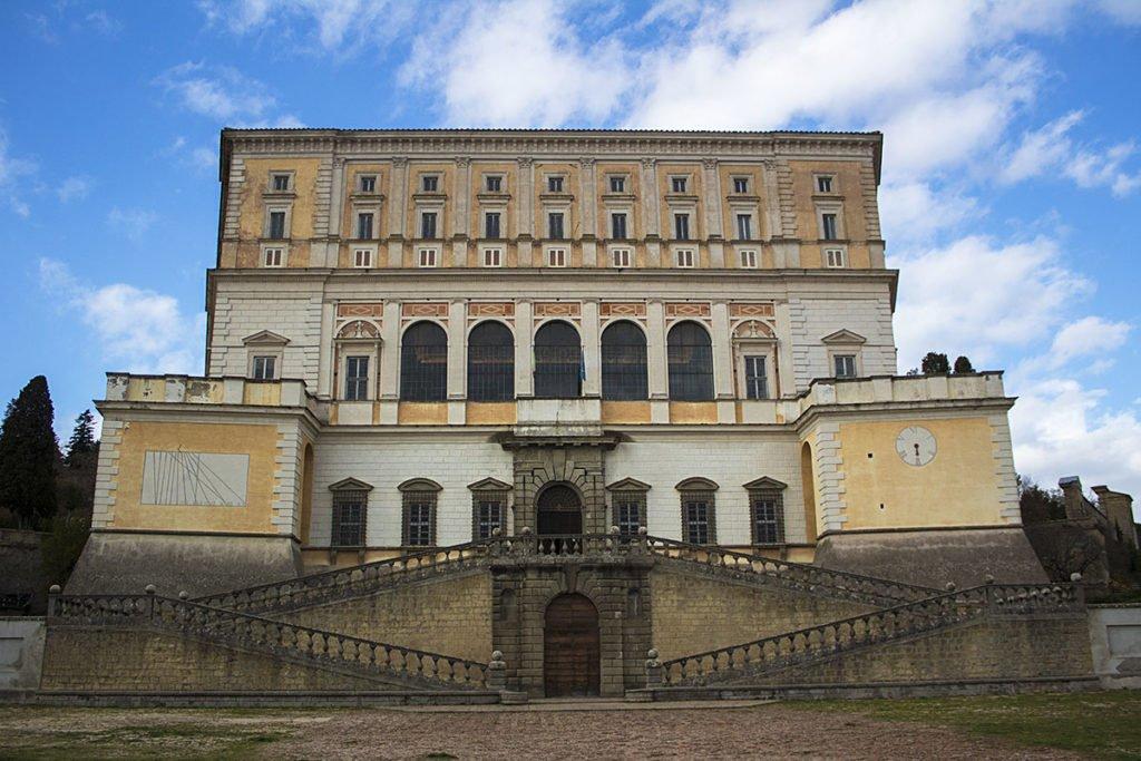 Palazzo-Farnese-esterno-Caprarola-Tuscia-Lazio-Italia-Italy