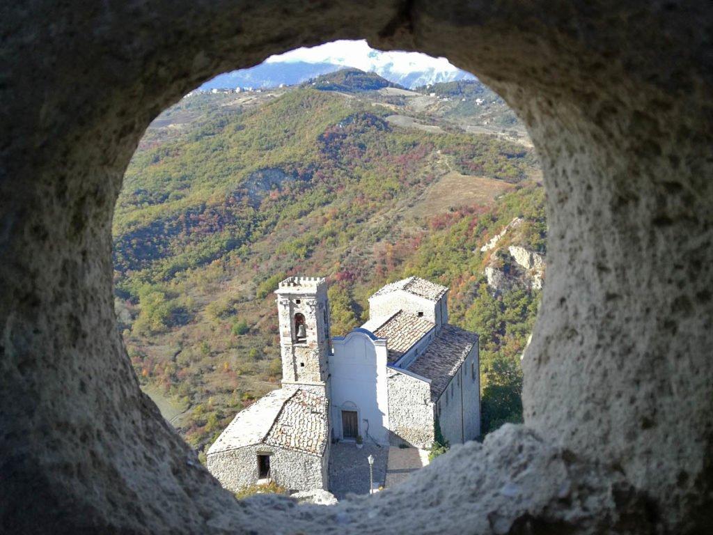 dettagli-roccascalegna-panorama-da-roccascalegna-roccascalegna-castello-roccascalegna-castelli-abruzzo-borghi-abruzzo-Abruzzo-Italia-Italy