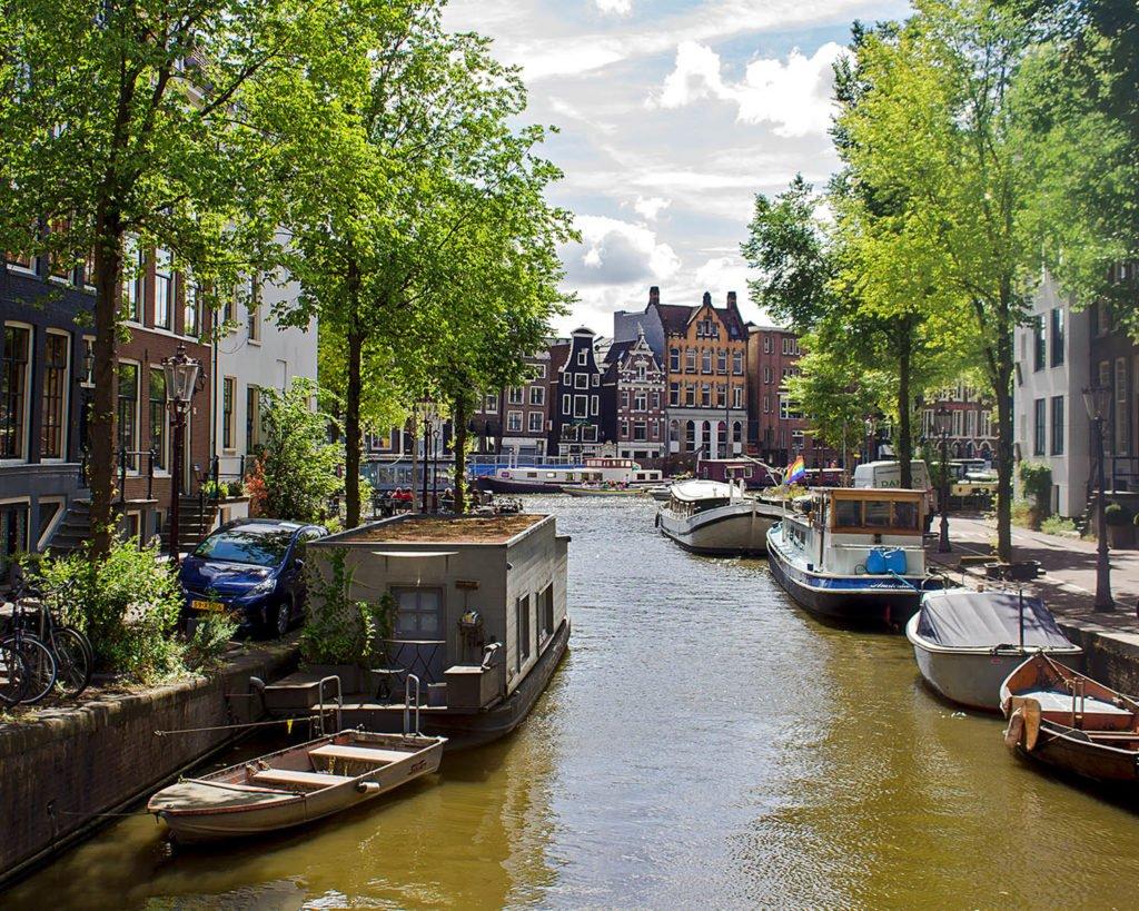 Amsterdam incontri inglese quanto tempo si dovrebbe aspettare fino a quando si inizia ad uscire di nuovo