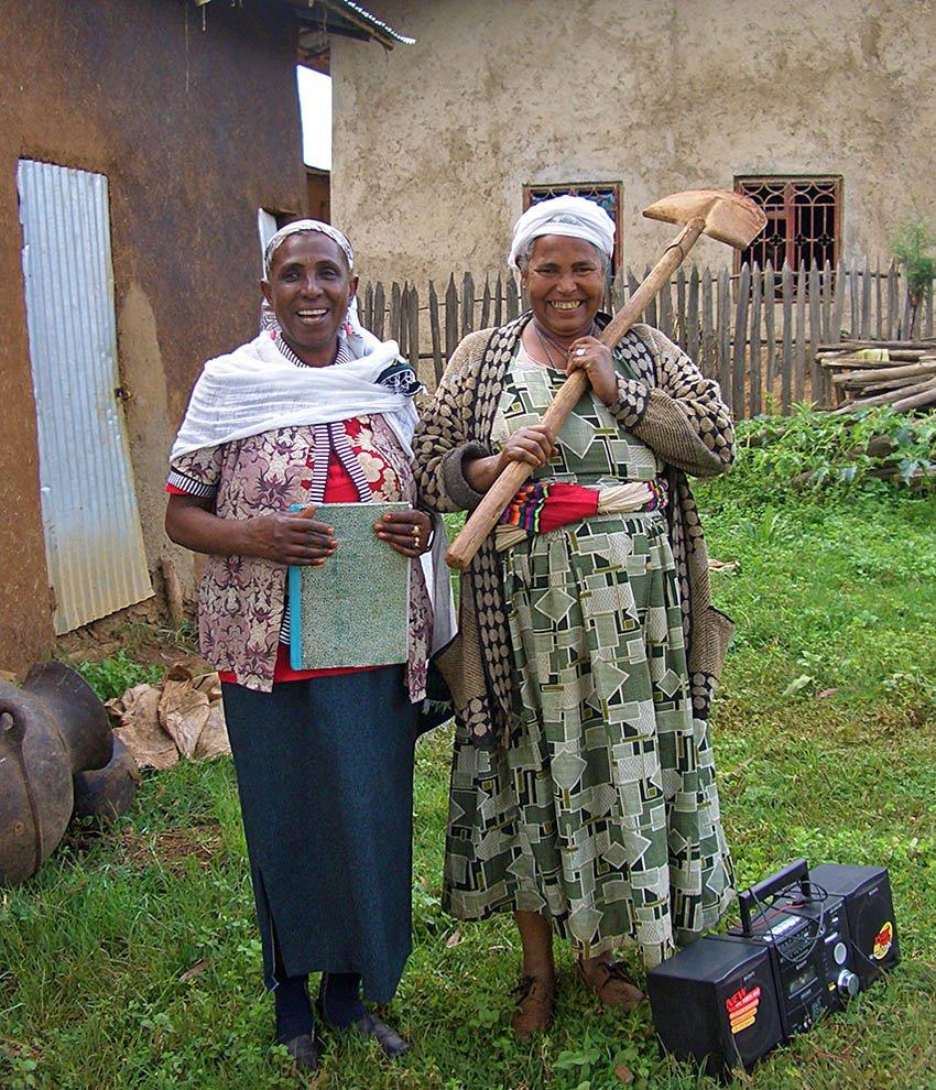 donne povere-Debre Markos-Etiopia-Ethiopia-Africa