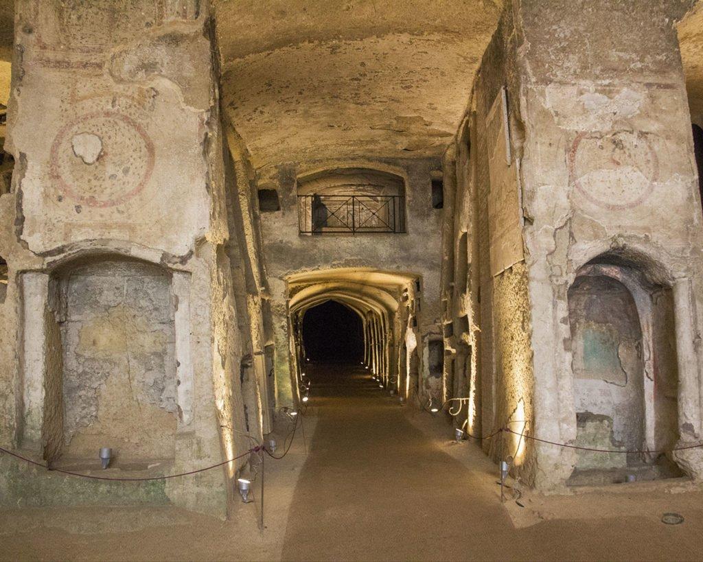 catacombe di napoliNapoli-Campania-Italia-Europa