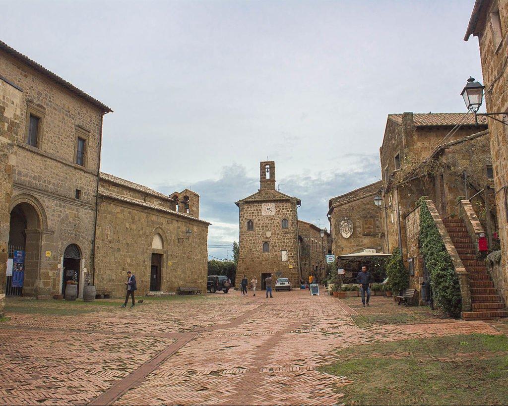 piazza Sovana-Sovana-Maremma Toscana-Toscana-Italia-Tuscany-Italy