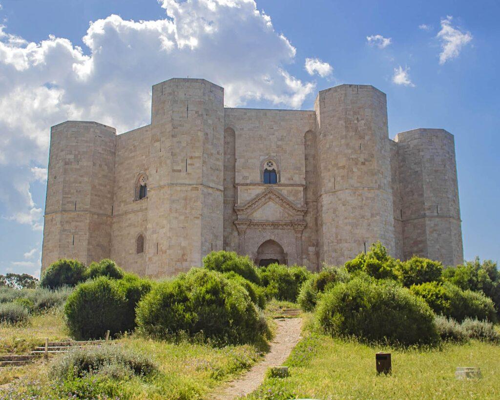 castel del monte-murgia-puglia