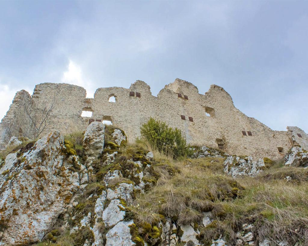 mura rocca calascio-Rocca Calascio-Abruzzo